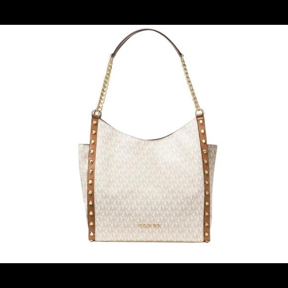 4cdd7b811160 Michael Kors Bags | Newbury Medium Chain Shoulder Tote | Poshmark